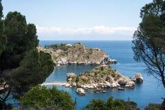 Isola Bella, visión desde arriba de, cerca de Taormina, Sicilia, Italia Fotografía de archivo