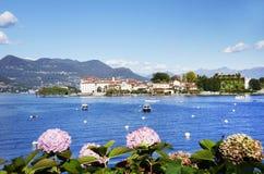 Isola Bella visto de la orilla de la ciudad de Stresa Foto de archivo libre de regalías