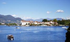 Isola Bella visto de la orilla de la ciudad de Stresa, Lago Maggiore Fotografía de archivo libre de regalías