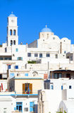 Isola bianca del Greco dei Milos di Adamas di architettura Fotografie Stock