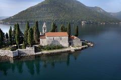 Isola con il monastero Fotografia Stock Libera da Diritti