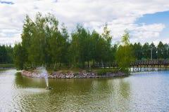 Isola con un ponte Fotografia Stock Libera da Diritti