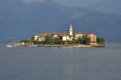 Isola dei Pescatori, sjö (lagoen) Maggiore, Italien Royaltyfria Bilder