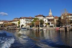 Isola dei Pescatori, sjö (lagoen) Maggiore, Italien royaltyfri bild
