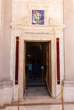 Isola del Gran Sasso, Itália - 15 de agosto de 2016: Santuário de San Gabr Imagens de Stock Royalty Free
