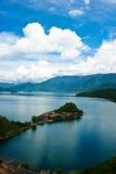 Isola del lago di lugu Fotografie Stock