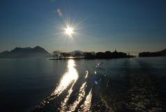 isola del maggiore jezioro pescatori wschód słońca zdjęcie royalty free