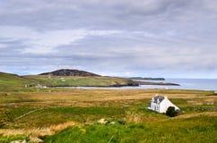 Isola del paesaggio della Scozia dello skye, case rurali immagine stock libera da diritti