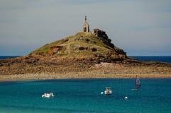 Isola del Saint-Michel in Erquy, Francia fotografia stock libera da diritti