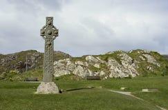Isola della croce celtica in anticipo di Iona Fotografie Stock