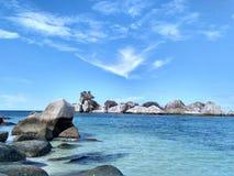 Isola della spiaggia rocciosa Fotografia Stock Libera da Diritti