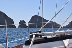 Isola di Anacapa di navigazione Fotografie Stock