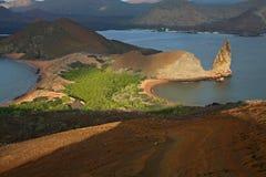 Isola di Bartolome ed il culmine, Galapagos Fotografia Stock Libera da Diritti