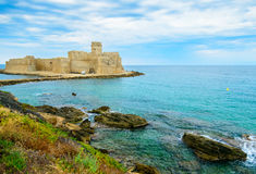 Isola di Capo Rizzuto, a província de Crotone, Calabria, Itália Imagens de Stock