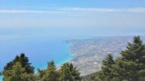Isola di Cefalonia del ` del sull di vista dal Monte Einos immagini stock