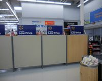 Isola di controllo di Walmart Immagini Stock