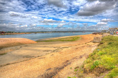 Isola di Hayling del porto di Langstone vicino alla costa sud di Portsmouth dell'Inghilterra Regno Unito nel hdr colourful immagine stock