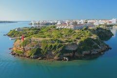Isola di Isla-del-Ray e della città Maon, Menorca, Spagna Immagini Stock