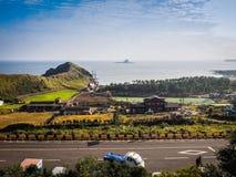 Isola di Jeju, COREA - 12 novembre: Il turista ha visitato Sanbanggul Fotografia Stock Libera da Diritti