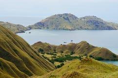 Isola di Lawadarat ed isola di Lawalaut, parco nazionale di Komodo, Flores, Indonesia fotografia stock