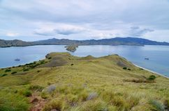 Isola di Lawadarat ed isola di Lawalaut, parco nazionale di Komodo, Flores, Indonesia fotografia stock libera da diritti