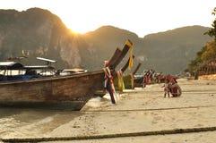 Isola di Phi di Phi sul tramonto. Fotografie Stock Libere da Diritti