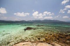Isola di Rok Roy, Koh Rok Roy, Satun, Tailandia immagini stock libere da diritti