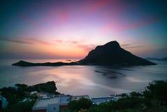 Isola di Telendos al crepuscolo Fotografie Stock Libere da Diritti