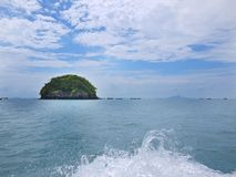 Isola e mare Immagini Stock
