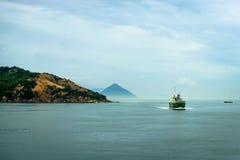 Isola Giappone di Naoshima dell'oceano di vista immagine stock libera da diritti