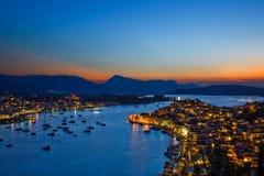Isola greca Poros alla notte Fotografia Stock