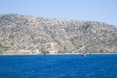 Isola greca Purezza del mare e del cielo fotografie stock libere da diritti
