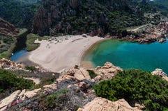 Isola Italia di Costa Paradiso Sardinia della spiaggia di Li Cossi immagine stock libera da diritti
