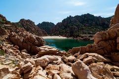 Isola Italia di Costa Paradiso Sardinia della spiaggia di Li Cossi immagini stock