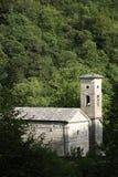 Isola jultomten, Garfagnana, Apuan fj?ll?ngar, Lucca, Tuscany italy Chur royaltyfria foton