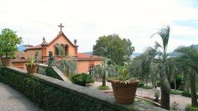 Isola Madre, κήπος και εκκλησία απόθεμα βίντεο