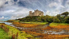 Isola medievale del castello di Dunvegan della fortezza di Skye, Scozia Immagini Stock