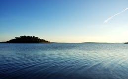Isola nel lago Alqueva Fotografia Stock