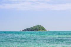 Isola nel mare Fotografie Stock Libere da Diritti