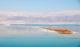 Isola nel mare guasto Fotografia Stock Libera da Diritti