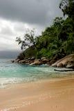 Isola nuvolosa Fotografia Stock Libera da Diritti