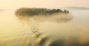 isola Piccola isola mattina sull'arcipelago Fotografie Stock Libere da Diritti
