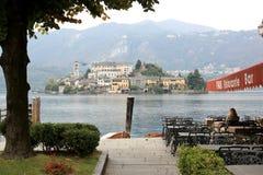 Isola San Julio en el lago Orta, Italia Imagen de archivo libre de regalías