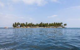 Isola sola nei Caraibi, San Blas Islands Immagini Stock