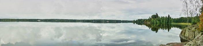 Isola sul lago in parco Monrepo Panorama Fotografie Stock Libere da Diritti