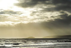 Isola tempestosa del looe del mare Fotografie Stock Libere da Diritti