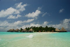 Isola tropicale Gangehi Ari Atoll maldives fotografia stock