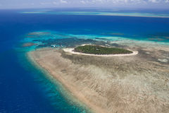 Isola verde in Grande barriera corallina Fotografia Stock Libera da Diritti