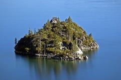 Isola verde smeraldo di Fannette della baia del Lake Tahoe Fotografie Stock Libere da Diritti