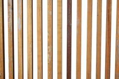 Isolado de madeira vertical das varas no fundo branco Imagens de Stock Royalty Free